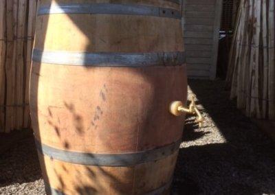 wijn vat met messing kraan (2)